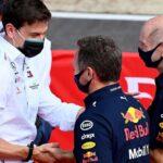 """F1 Wolff contro Red Bull: """"15 persone non fanno una power unit vincente"""""""